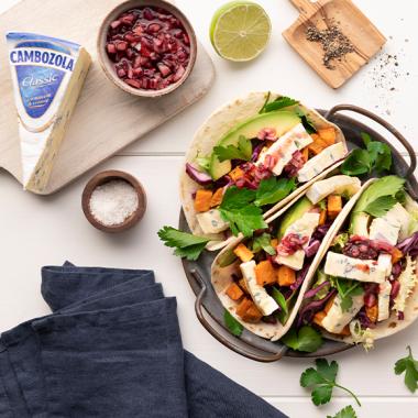 Bildmotiv für Tortillas mit CAMBOZOLA & Schwartau Extra Konfitüre
