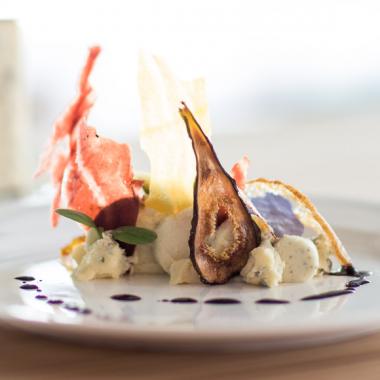Bildmotiv für CAMBOZOLA Flan mit Gemüsescheiben und Blauburgunder-Essenz