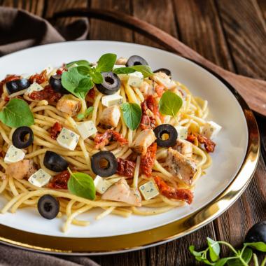 Bildmotiv für Dreifarbiger Pastasalat mit getrockneten  Tomaten und CAMBOZOLA
